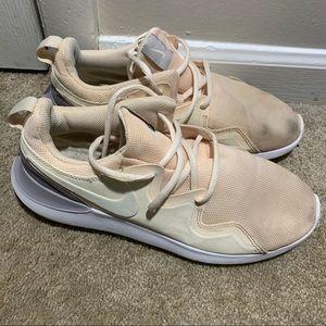 Women's Nike shoes size 9